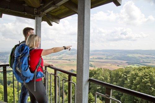 Blick vom Aussichtsturm auf dem Großen Bärenberg bei Zierenberg