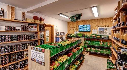 Ladengeschäft mit großer Auswahl an regionalen Produkten