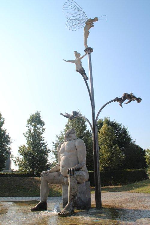 Jungbrunnen im Seepark von Künstler Peter Lenk