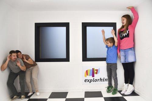 lichtWERK explorhino Exponate Familie