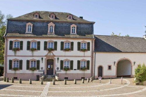 Außenansicht Stadtmuseum Wadern mit Remise