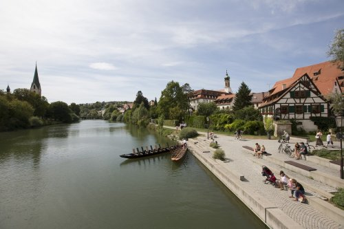 Die Neckarfront und das Nepomouk-Haus am Neckar in Rottenburg