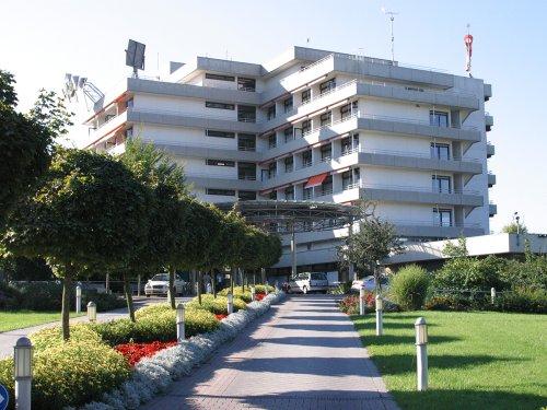 Außenbereich Universitäts-Herzzentrum