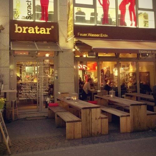 Außenbereich Bratar