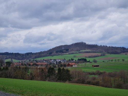 Blick nach Hausen und zum Gestüt Höny Hof