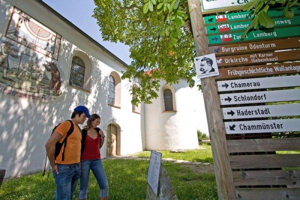 Infos zum Friedrich Nietzsche Wanderweg an der Urkirche in Chammünster