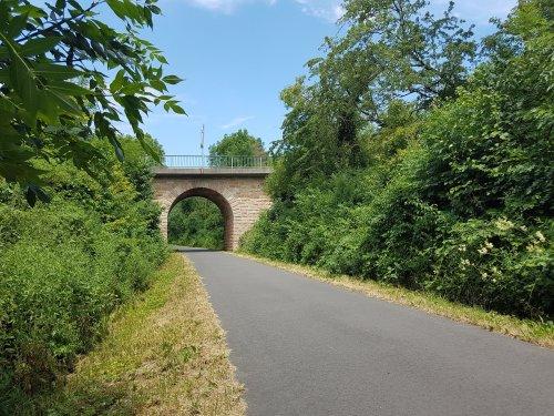 Brückenbogen am Bahnradweg Rotkäppchenland