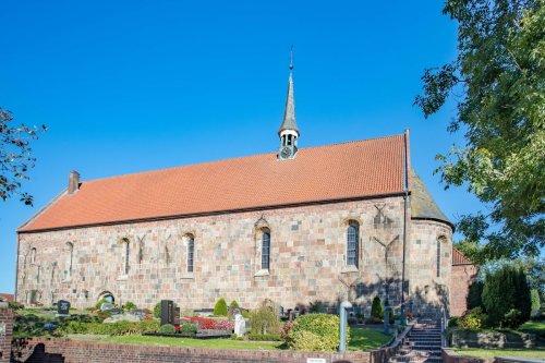 St. Sixtus und Sinicius Kirche in Hohenkirchen