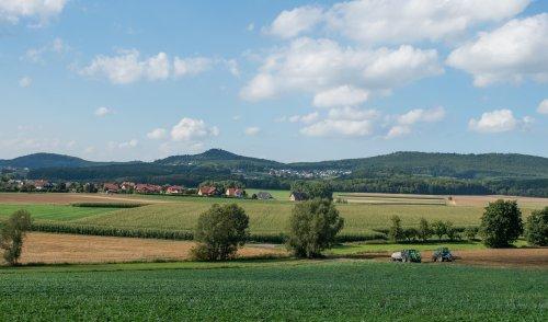 Blick auf die Langenberge bei Niedenstein