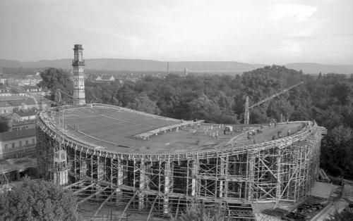 Schwarzwaldhalle im Bau