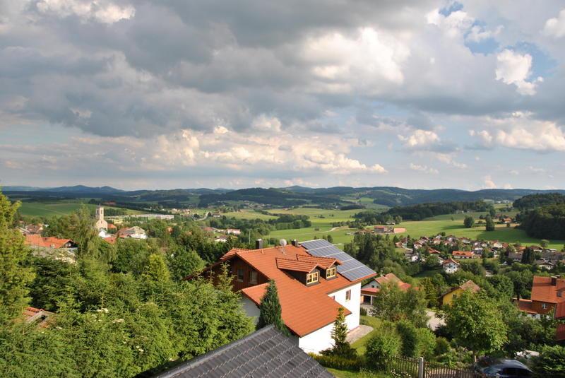 Die staatlich anerkannten Erholungsorte Neureichenau - Altreichenau und Lackenhäuser liegen am Fuße des Dreisesselberges