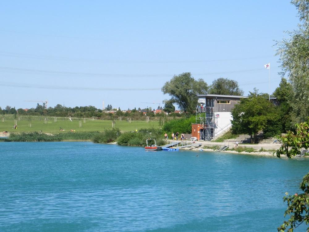 Wasserwacht am Hollerner See bei Eching