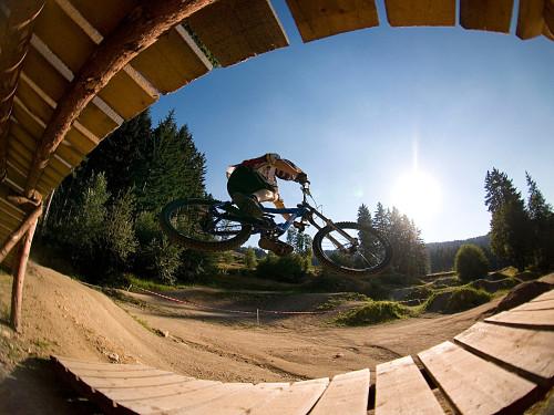 Mountainbiken im Bikepark Geißkopf bei Bischofsmais im Bayerischen Wald