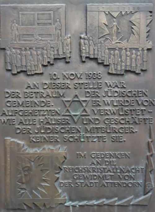 Die Gedenktafel am ehemaligen Gebetraum
