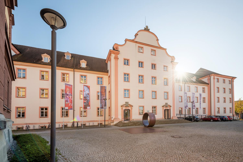 Das historische Gebäude des Archäologischen Landesmuseums