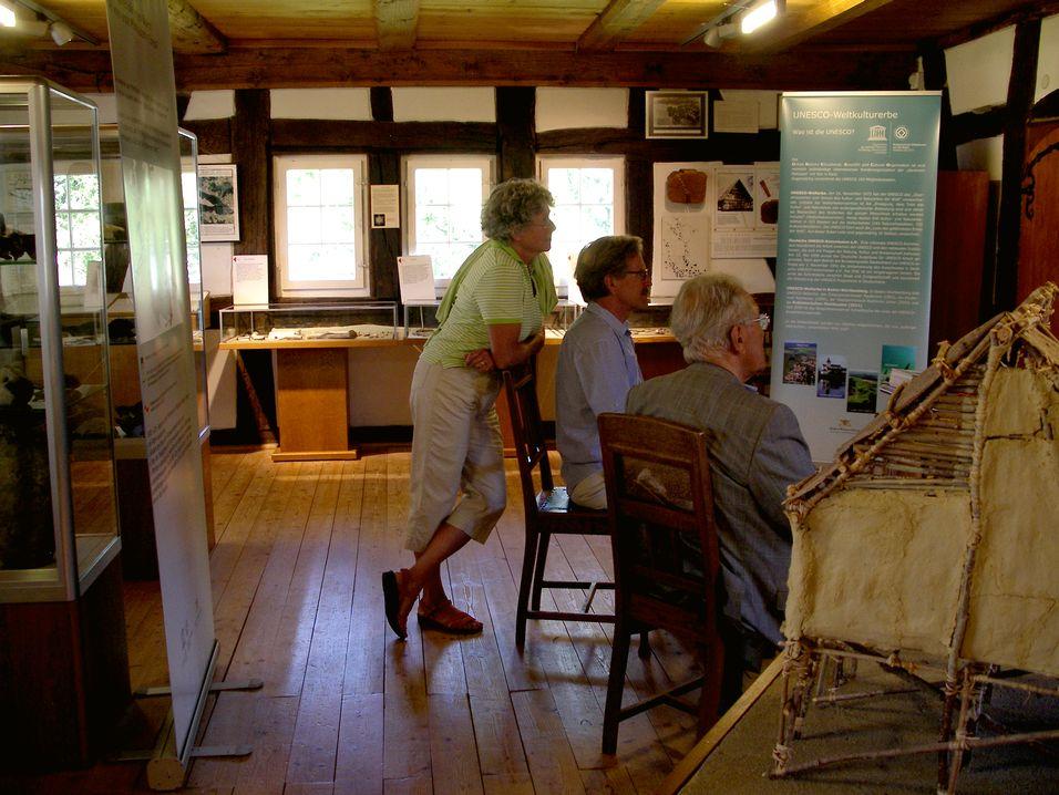 Besucher im Museum