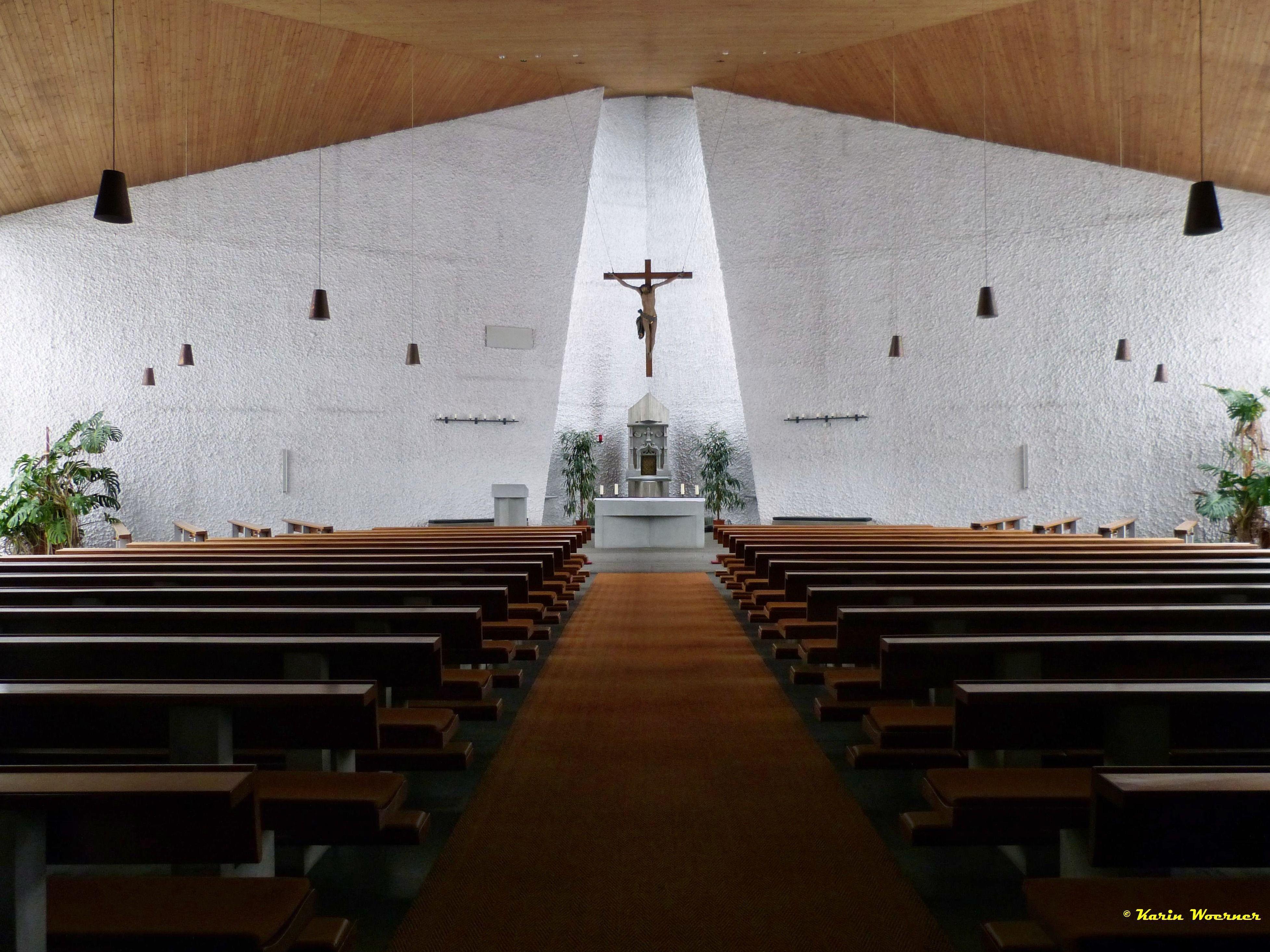 2016 - Kirche innen2