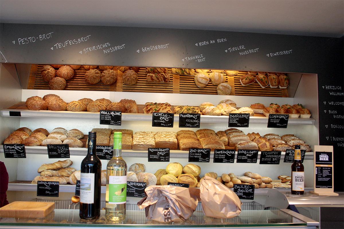 Brot-Theke mit Einkäufen