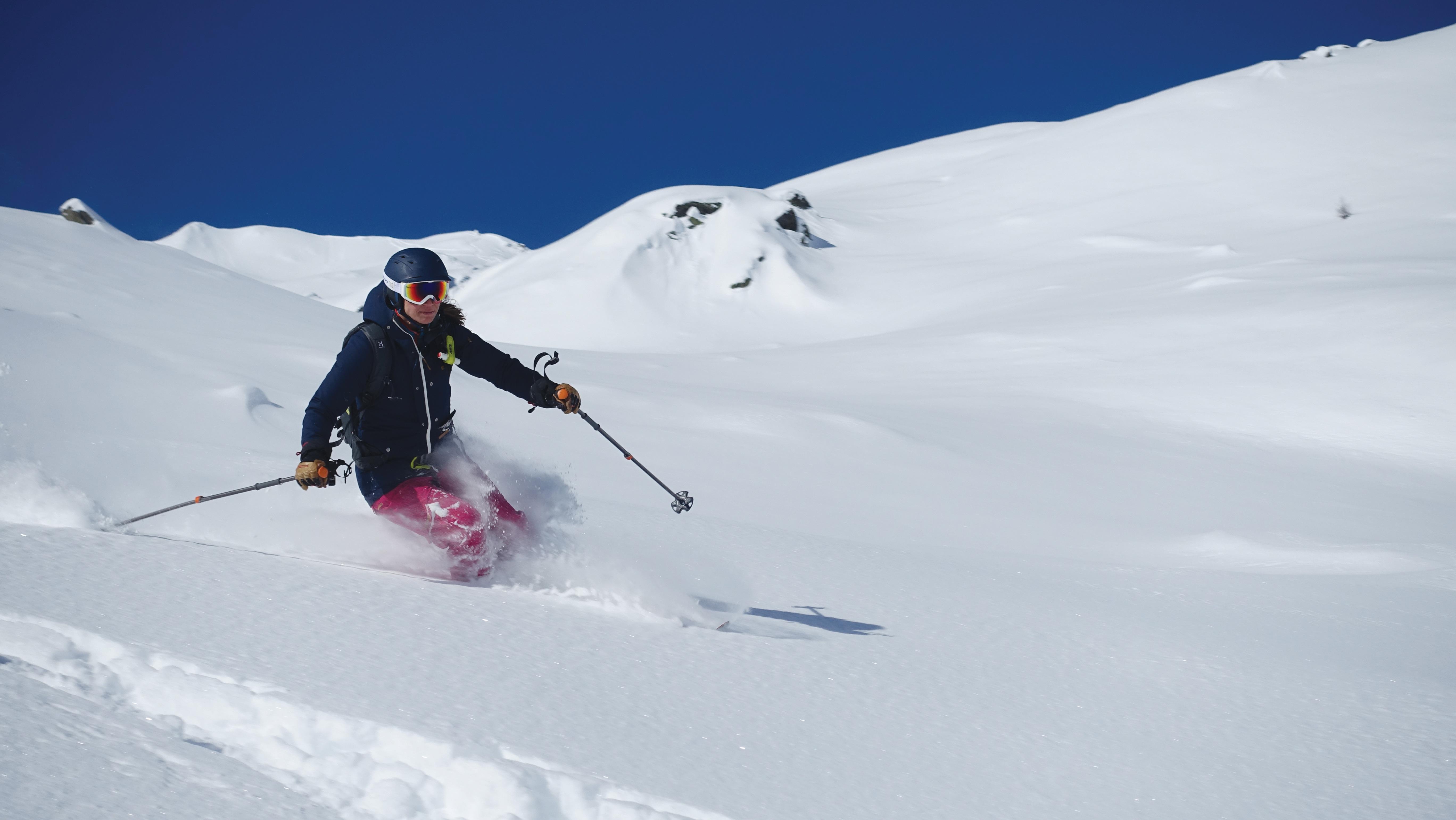 Freeride, Tiefschnee, Gemsstock, Andermatt, Skifahrerin, Uri