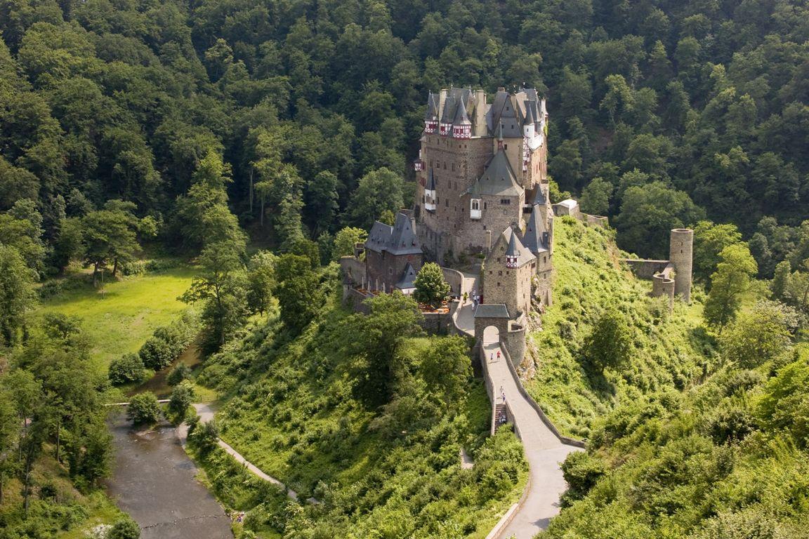 Eltzer Burgpanorama Burg Eltz