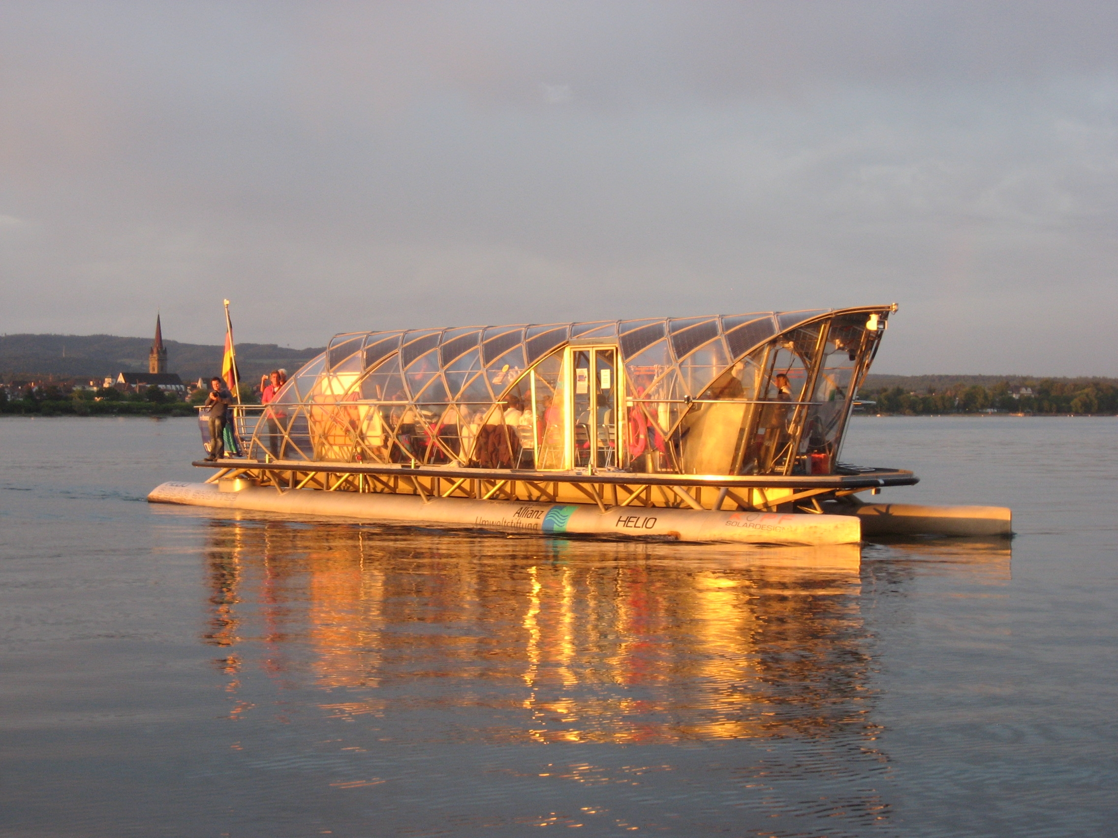 Helio Solarfähre auf dem Bodensee vor Radolfzell