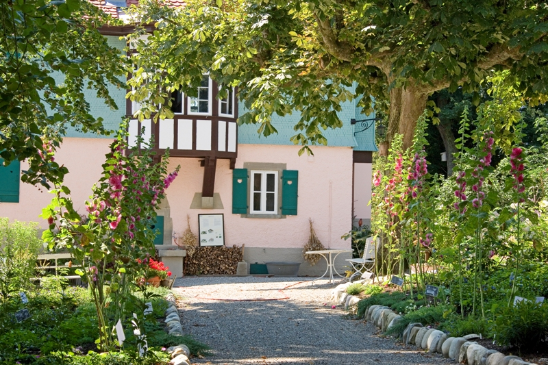 19 Privatgarten am Mia- und Hermann-Hesse-Haus, Gaienhofen, Foto Rosner, Bildrechte Frau Eberwein