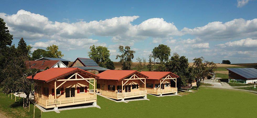 Blockhütten auf dem Ferienhof