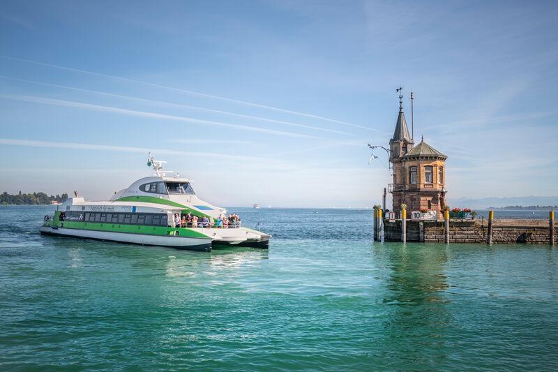 Der Katamaran im Konstanzer Hafen