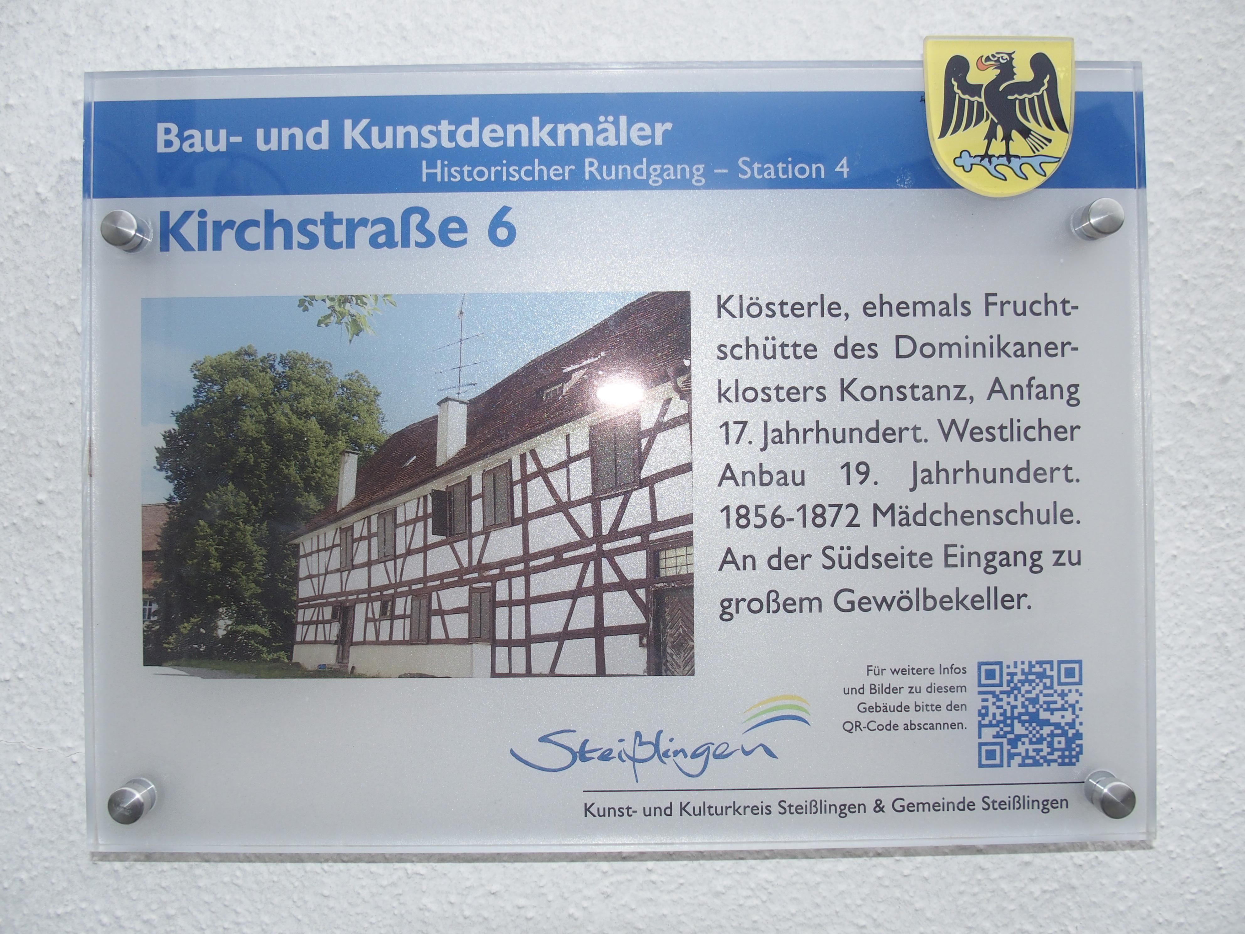 Schild historisches Gebäude
