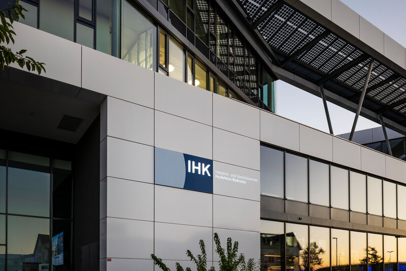 Blick auf die Fassade der IHK Hochrhein-Bodensee
