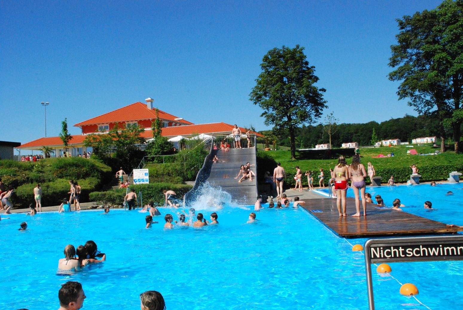 Camping-Ferienpark Orsingen Freibad