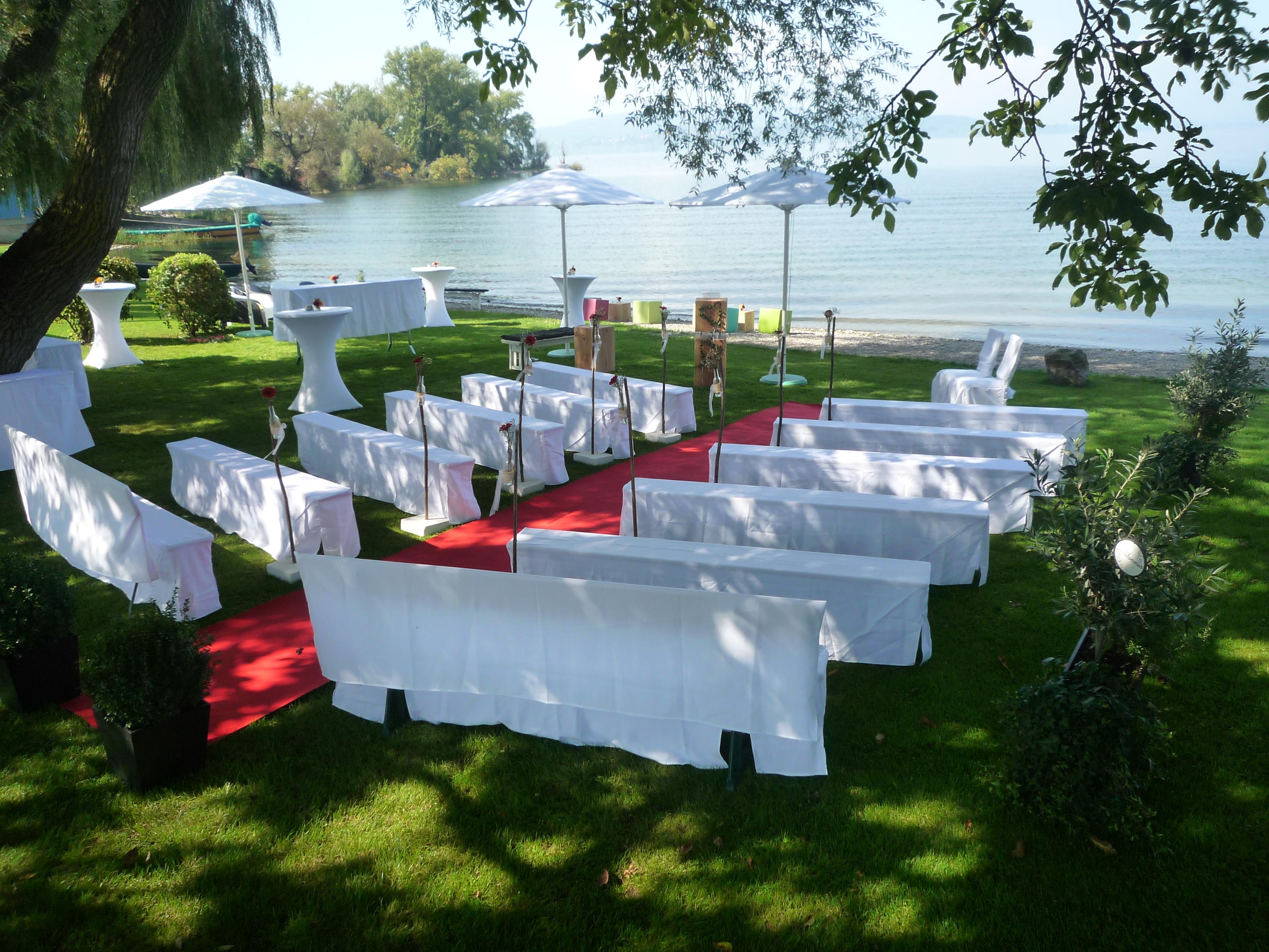 Location am See - Sitzmöglichkeiten mit Hussen